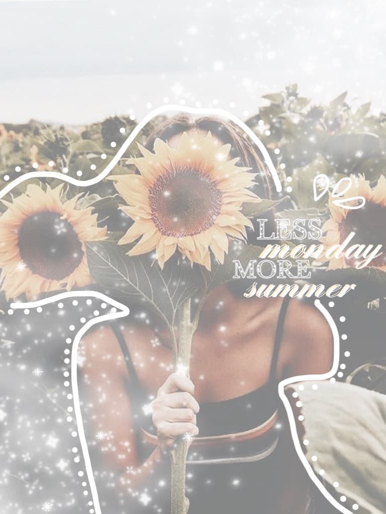 Yes im back!! Tap loves!! 🌻  Sorry i was gone i just had like no inspo but now im doing a summer sunflowery theme!Please rate this /10 ☺️ QOTD: sunflowers or roses? 🌻 🌹  AOTD: both 😂