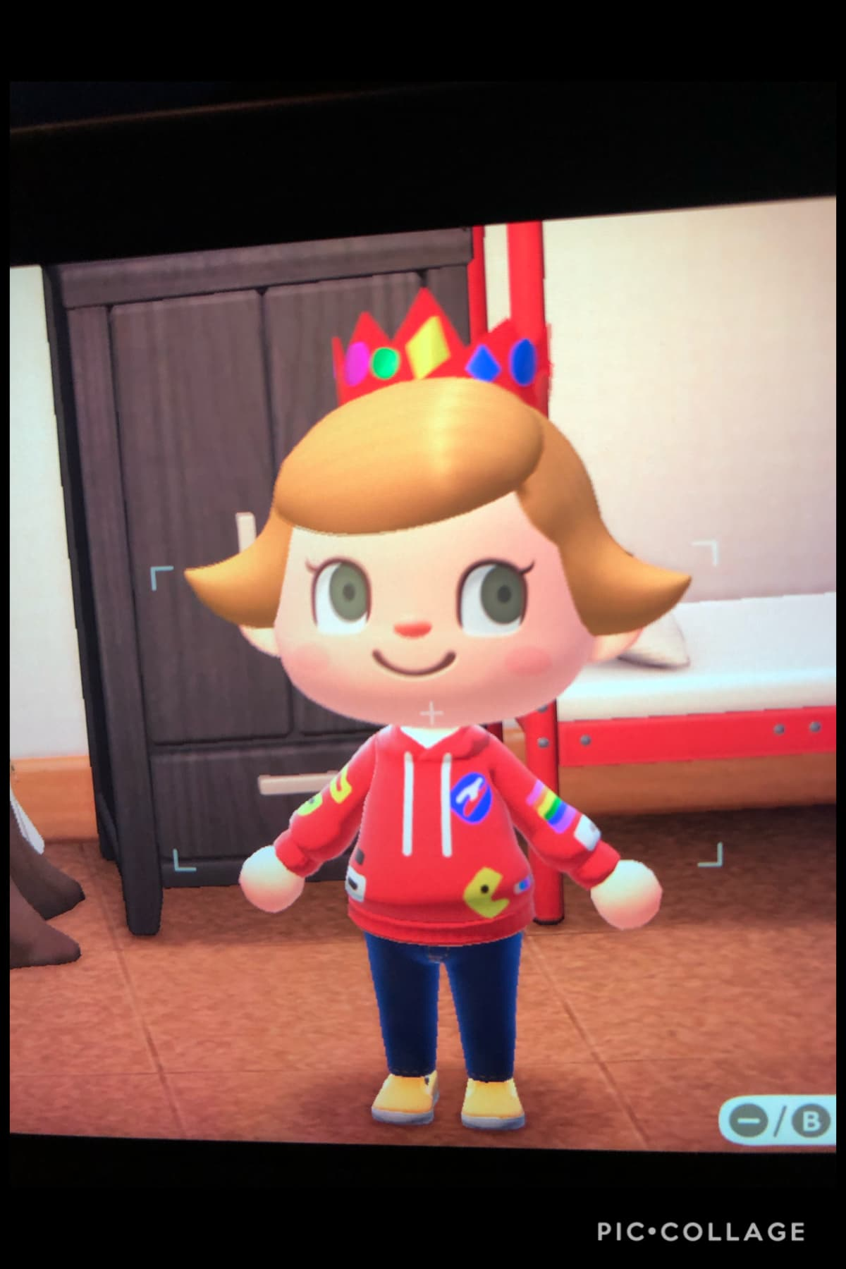 I also made Michael Mell's Hoodie in animal crossing:)