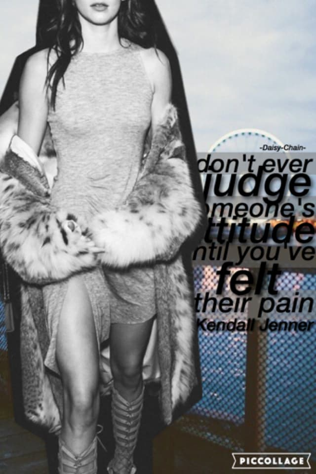 ahhh sorry this isn't very good 😁... but Kendall Jenner is Bae sooo 🙃✋🏻