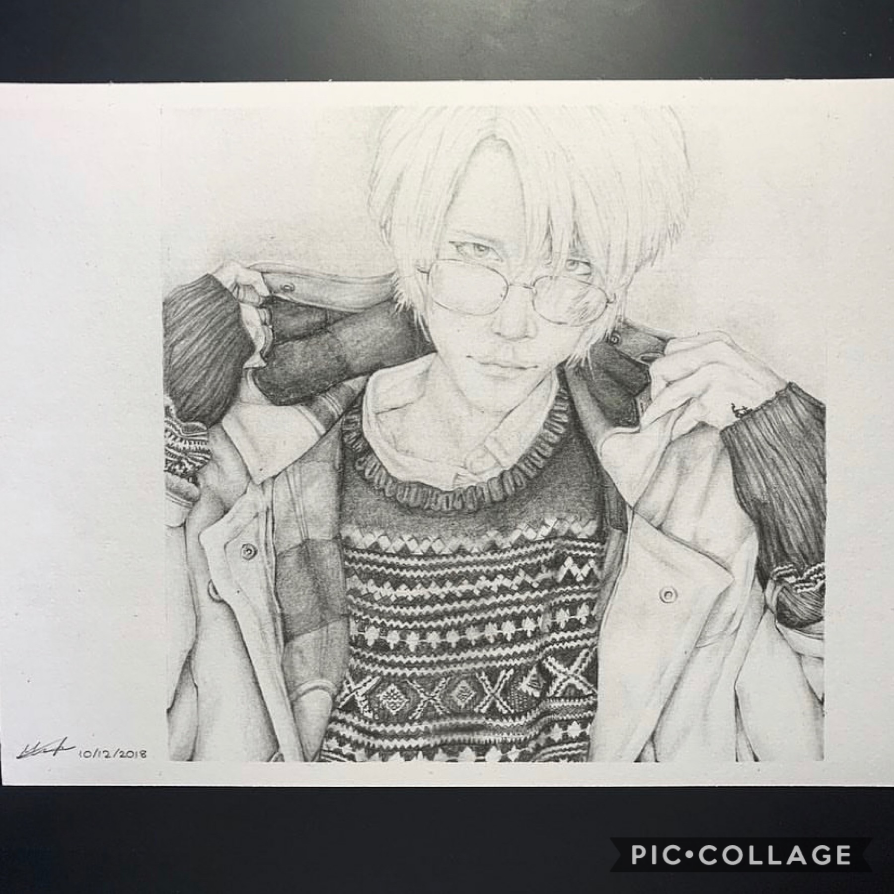 Hello I am highly bored so I'm posting a realistic drawing of Ash Lynx from Banana Fish that I did like a month ago.  I don't know why I'm posting this on piccollage but here I am 😂👌🏻👌🏻