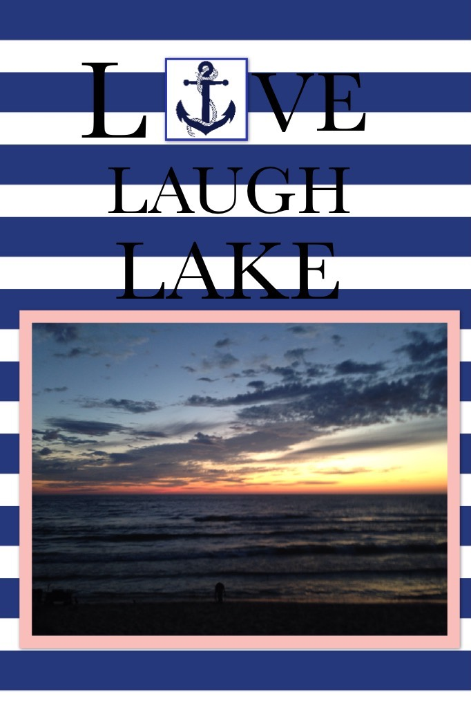 I took this at a campground that we stayed at, end of October!!😍 (This is Lake Michigan!!)