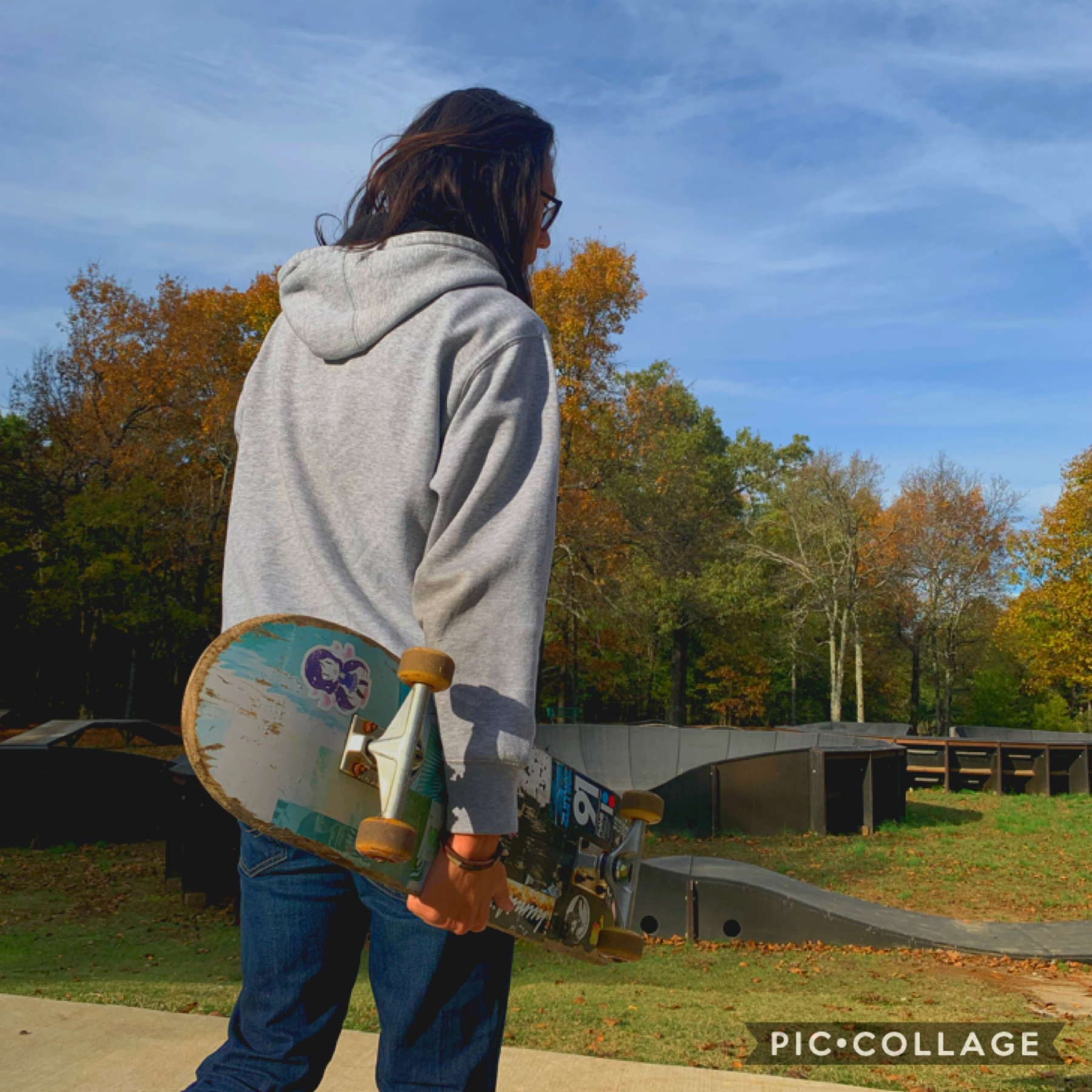 my birthday is this friday yay! i'm getting my paycheck and money from my parents as a gift so i'm gonna be loaded. i'm going to spend some of the money to buy a skateboard because clayton taught me how and it's so much fun:)