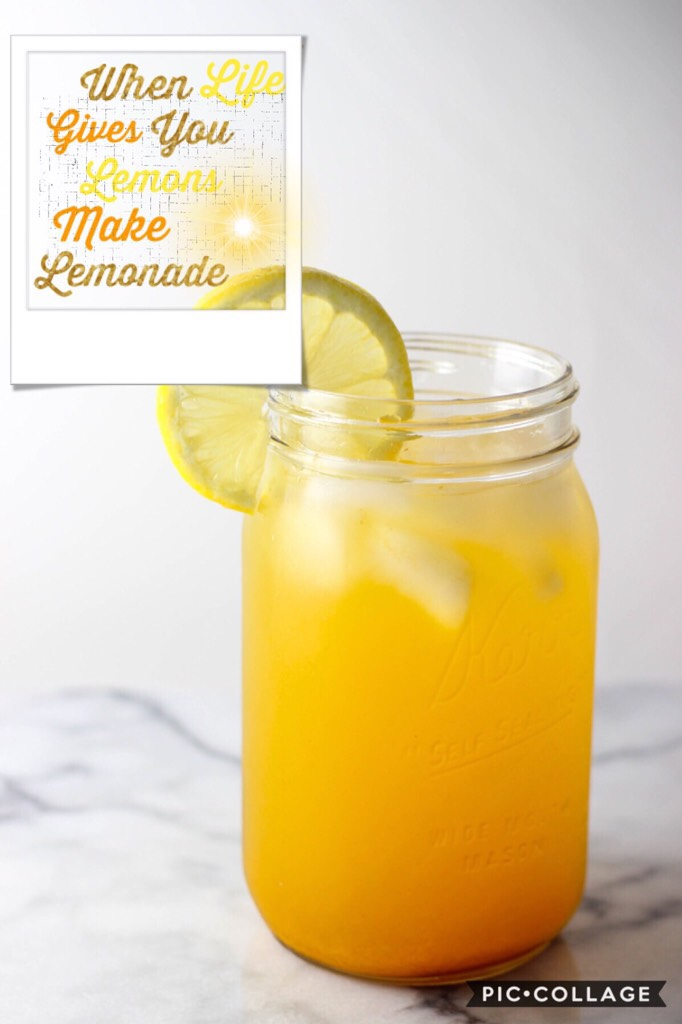 🍋 tap 🍋   Sooo wanna chat? What's your favorite drink? My favorites are lemonade (my mom makes really good lemonade!) sweet tea ☕️ and Sprite😉😄