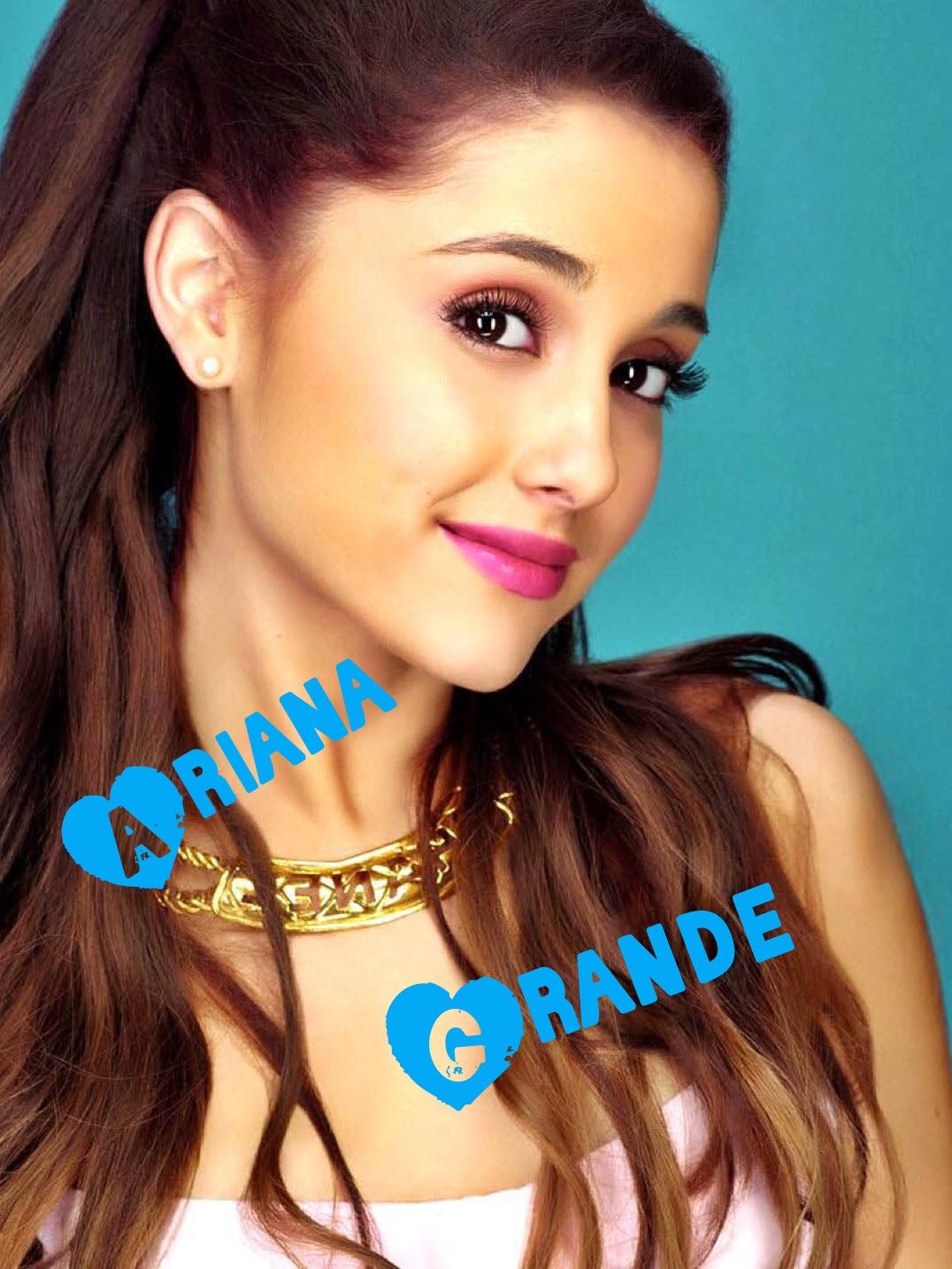 Ariana Grande née le 26 juin 1993 à Boca Raton en Floride est une actrice et auteurecompositriceinterprète américaine Débutant sa carrière en 2008 à l