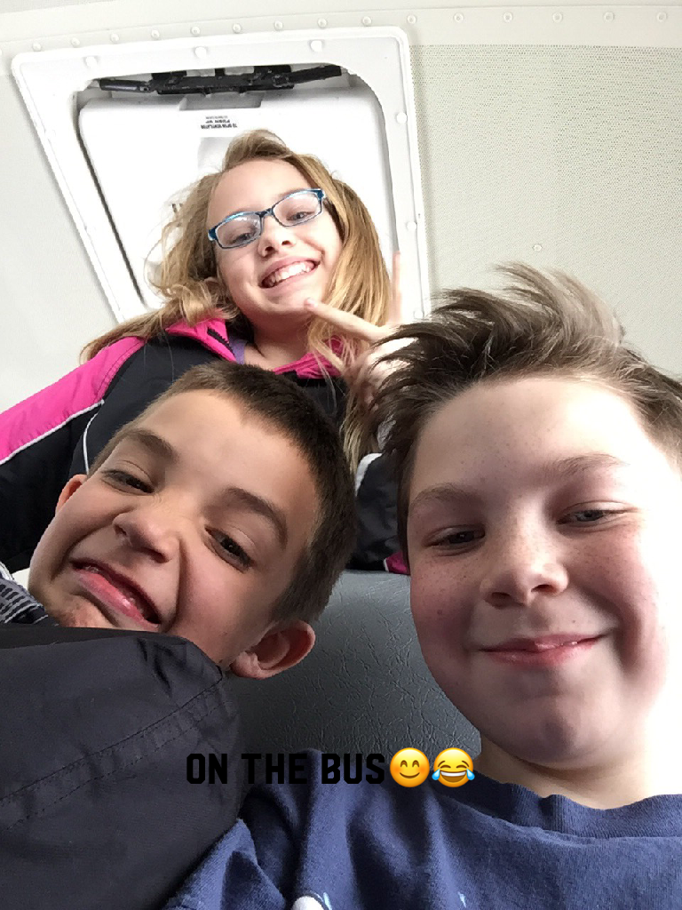 On the bus😊😂