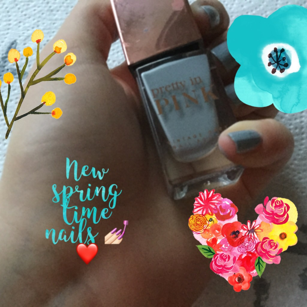 New spring time nails 💅🏻❤️!!!  Grey blue!! What's your favourite type of nail colour??