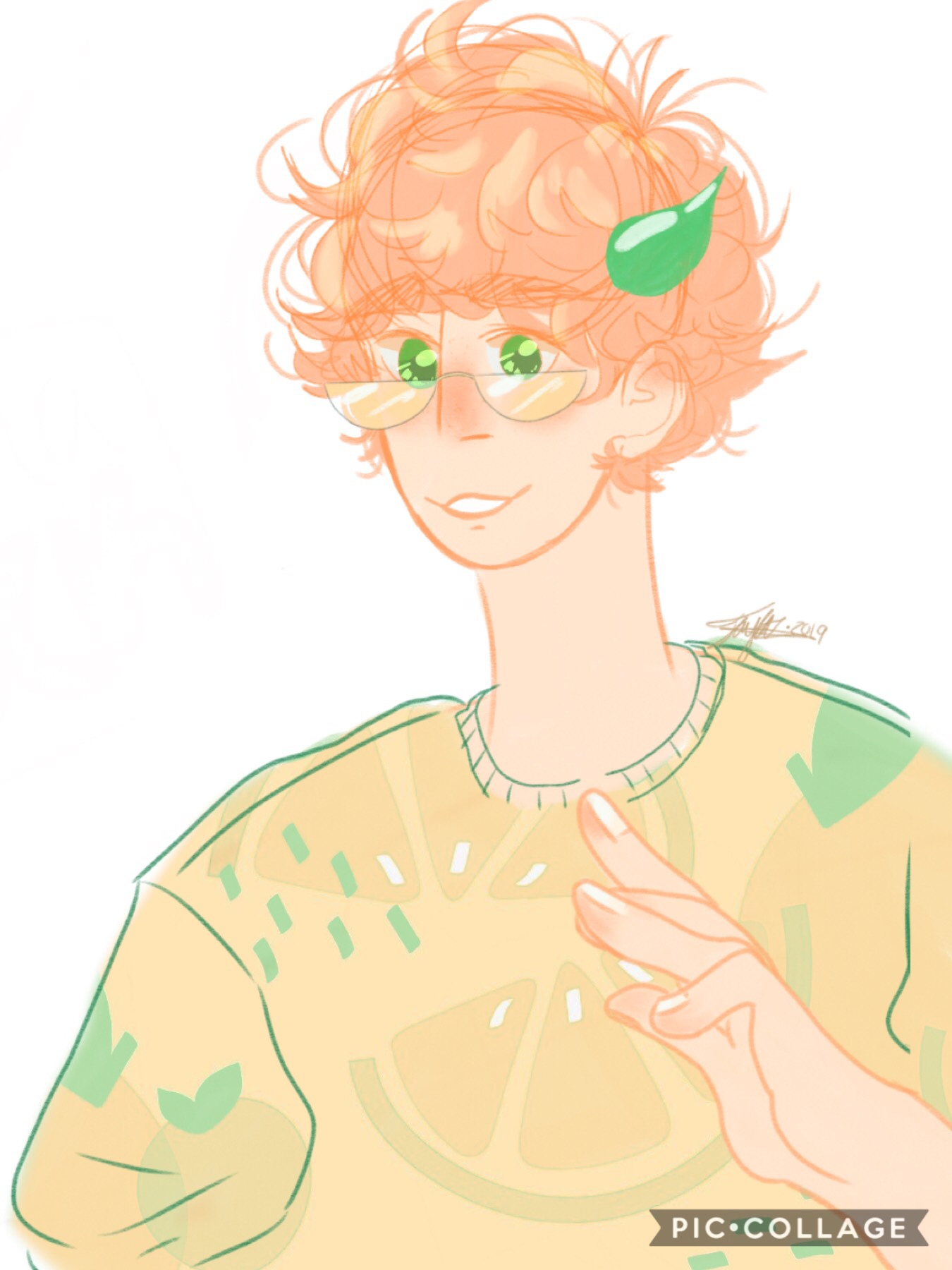 Me and Karol are making characters out of fruit people we saw on Swedish juice boxes at IKEA, and this is my first entry into this universe, His name is Max ((named by Soap) and as you can see, he's an orange. I'll give more info later but i still got mor