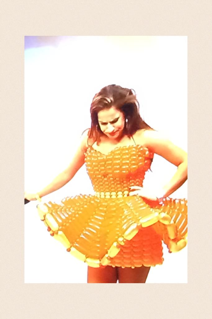 Balloon Molly in town what a pretty cool 😎 balloon 🎈 dress 👗