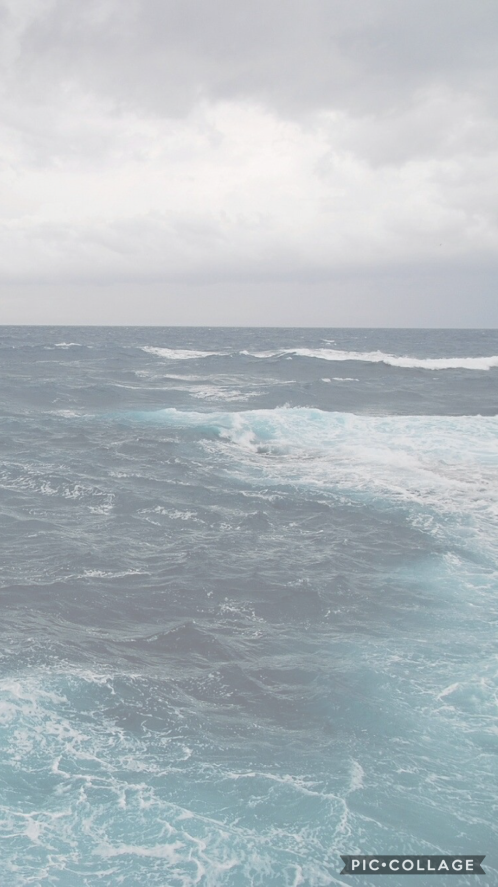 🌊 day one of ocean wallpaper 🌊