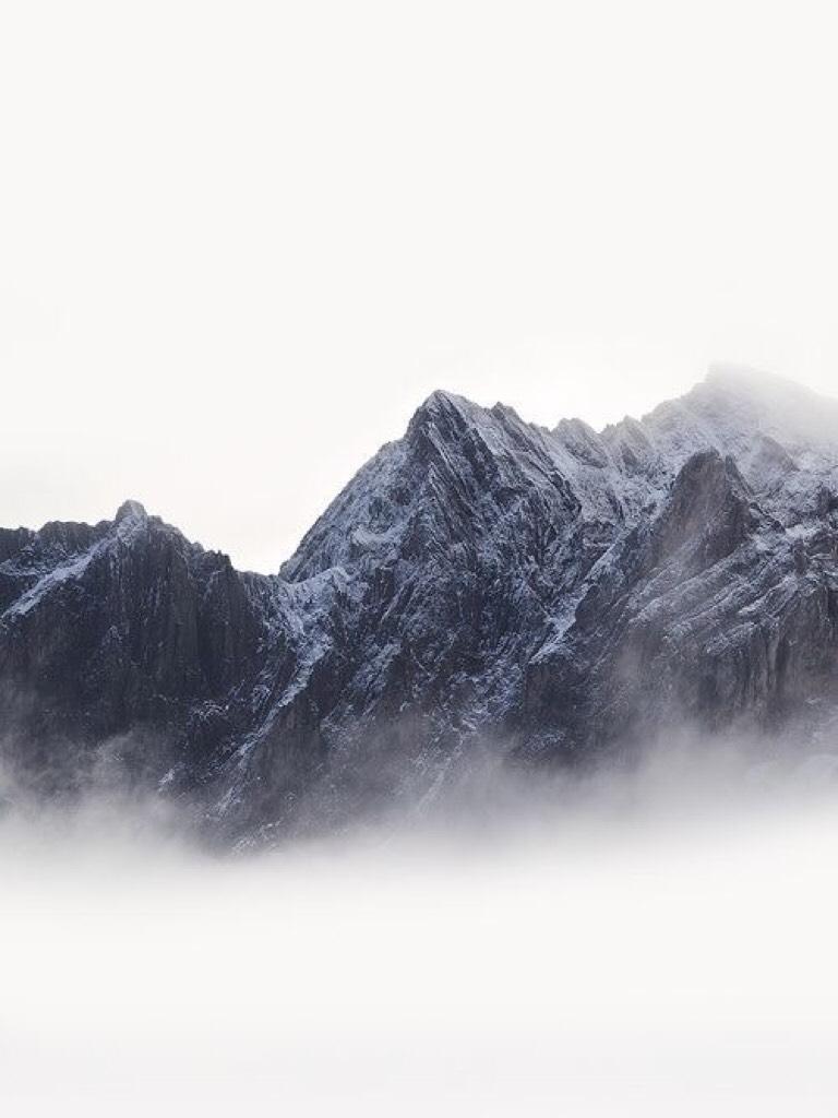 Foggy mountain bg
